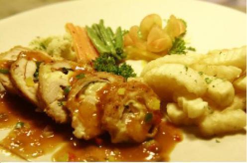 Silahkan nyobain chicken cordon bleu..ala lantera....nikmat....&lezat..buruan mampir....