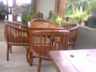 teras....lantera cafe....nyaman...&sejuk